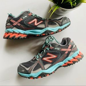 NEW BALANCE All Terrain Trail Athletic Shoes 9 EUC